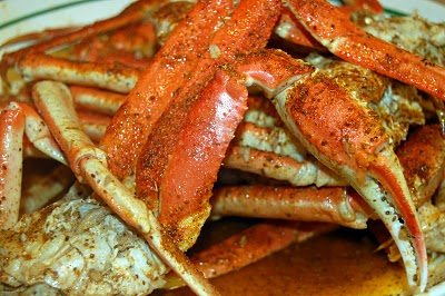 Snow Crab Legs in Garlic Butter Beer Sauce