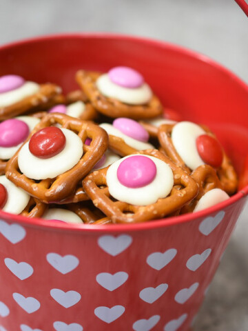 Valentines Day Pretzel Bites