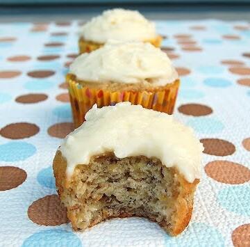 Banana Cupcakes with Vanilla Frosting