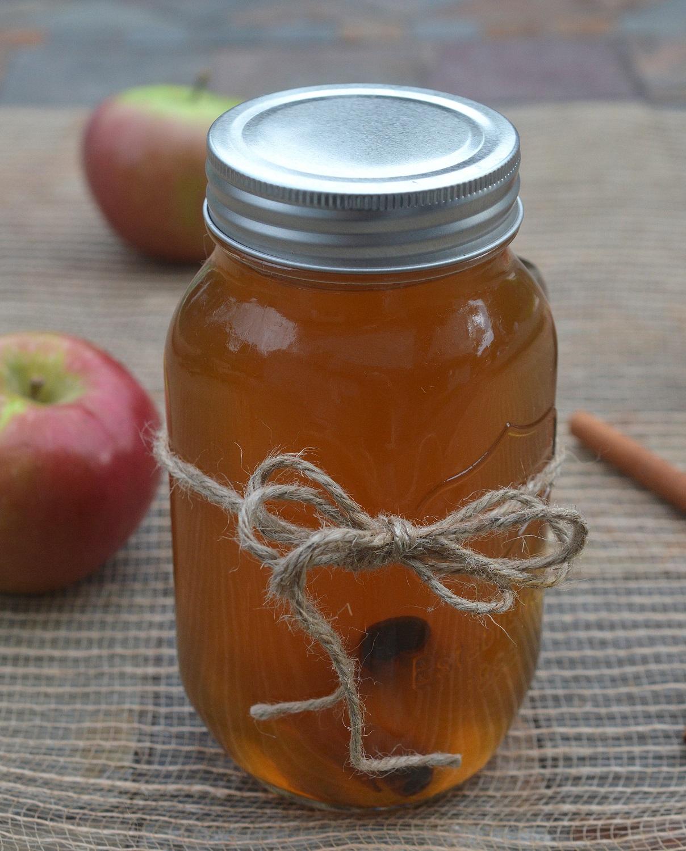 Easy Apple Pie Moonshine