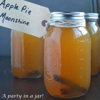 The-BEST-Apple-Pie-Moonshine-Recipe