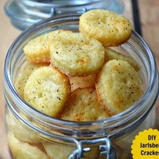 DIY Jarlsberg Crackers
