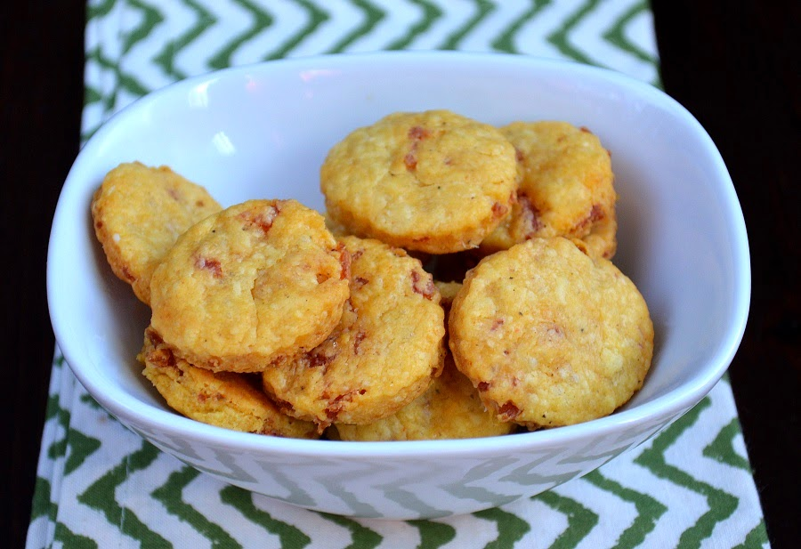 Baked Pepperoni Cheese Crackers