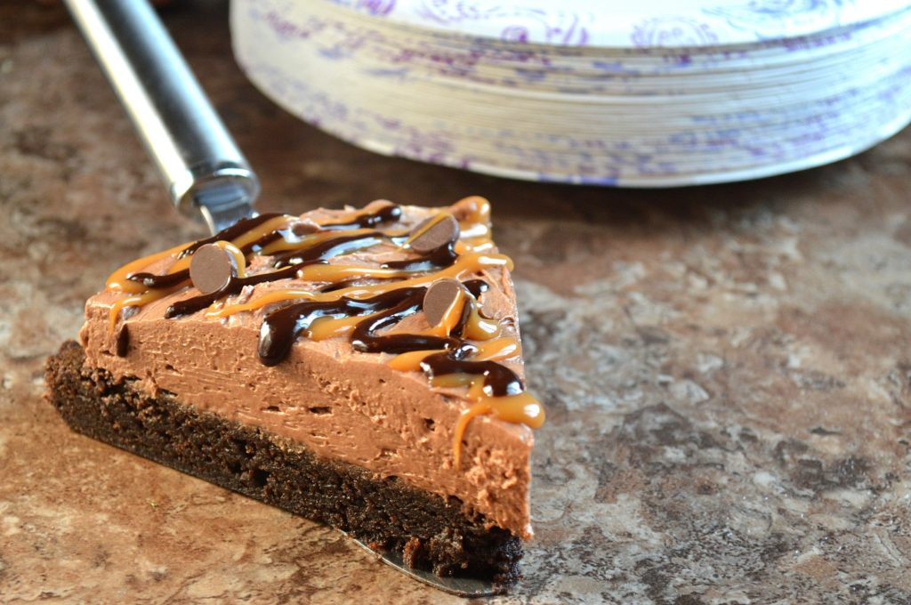 Brownie Bottom No Bake Chocolate Cheesecake