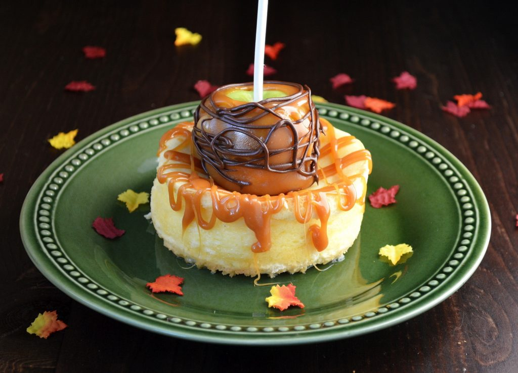 Mini Cheesecakes with Caramel Apples