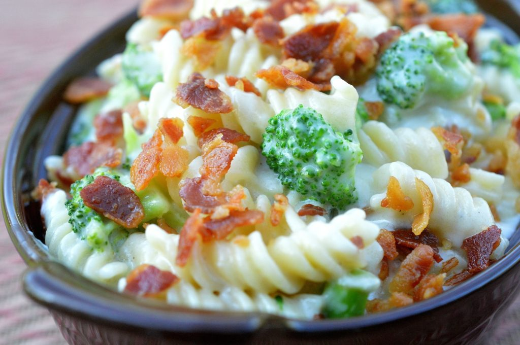 Mac & Cheese with Bacon & Broccoli