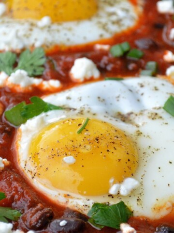 Eggs & Beans In Spicy Tomato Sauce