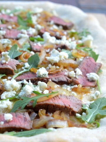 Steak Caramelized Onion & Blue Cheese Pizza Gees is this good!