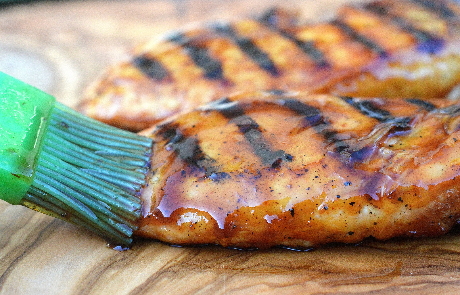 grilled chicken breast honey bourbon bbq grilled chicken 3 ingredient sauce 12936