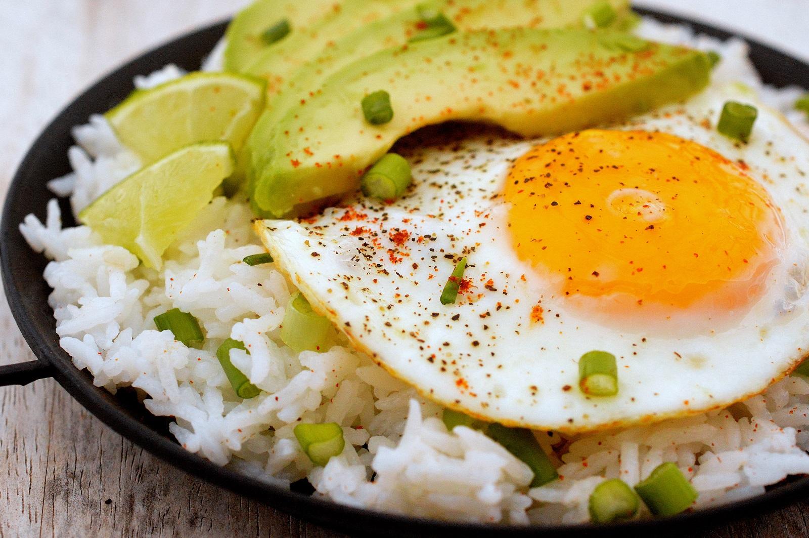 Fried Egg & Avocado Rice Bowl