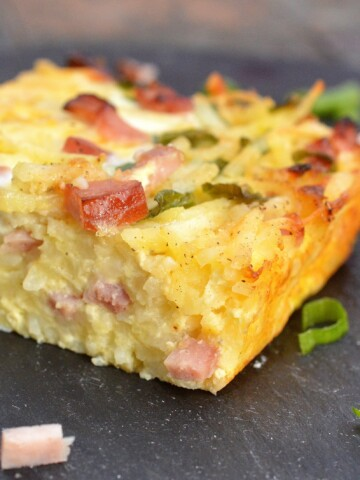 Use up your leftover ham and make this Ham & Cheese Hash Brown Bake