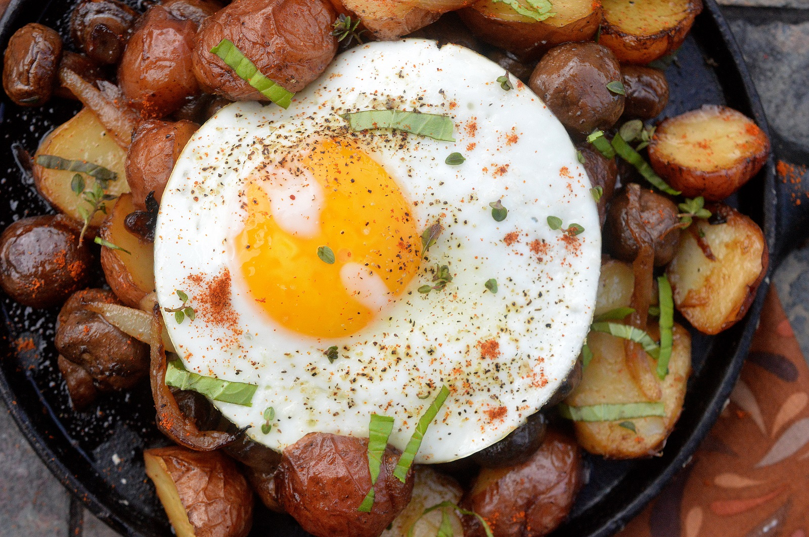 Potato Onion Mushroom and Egg Breakfast Hash - Whole 30 Approved.