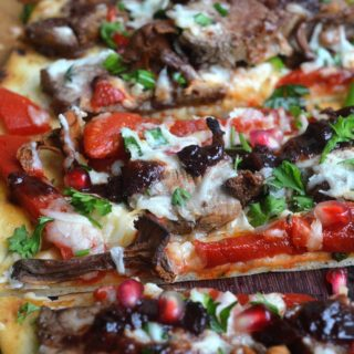Loaded Steak, Mushroom & Roasted Red Pepper Flatbread