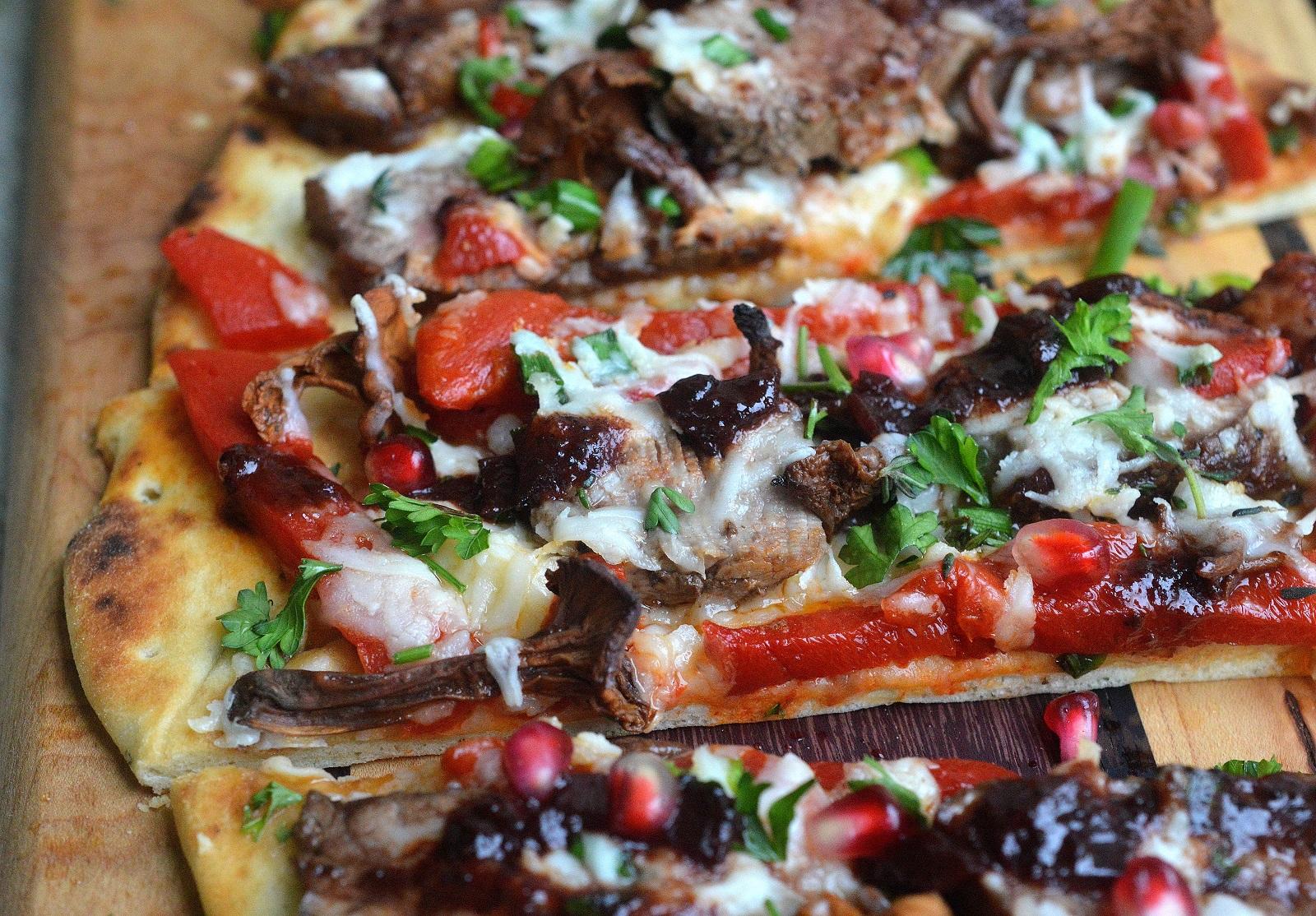 Loaded Steak, Mushroom & Roasted Red Pepper Flatbread