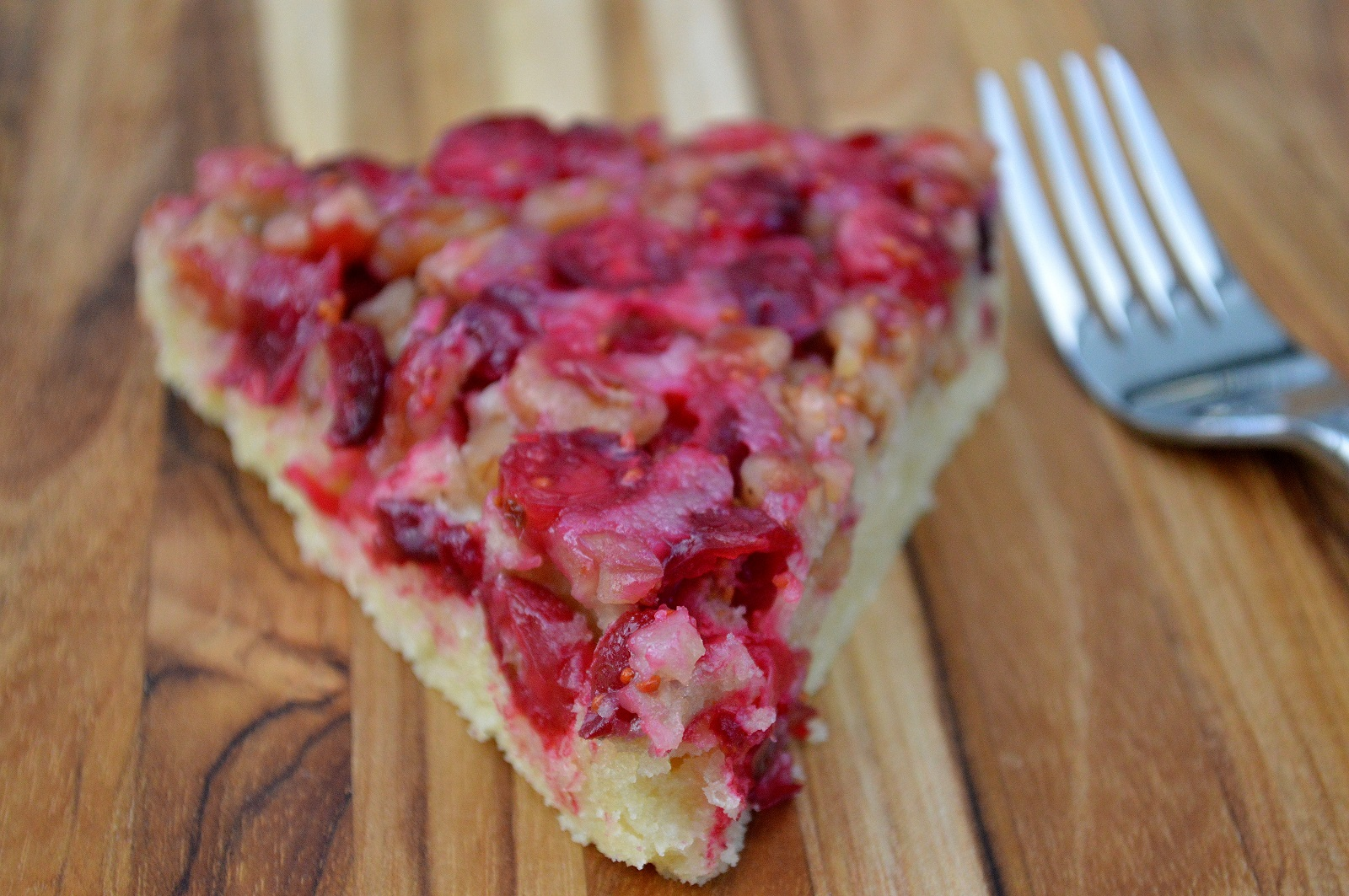 The easiest and most delicious Cranberry-Walnut Pie! It's a New England Vintage recipe called Nantucket Pie, its so pretty & festive!