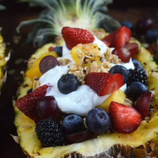 The BEST Breakfast I ever had! An over the top Yogurt & Granola Stuffed Pineapple