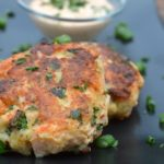 How To Make Salmon Cakes, recipe for making Salmon Cakes